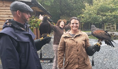 We really must speak to Yvonne about her photobomb habit!